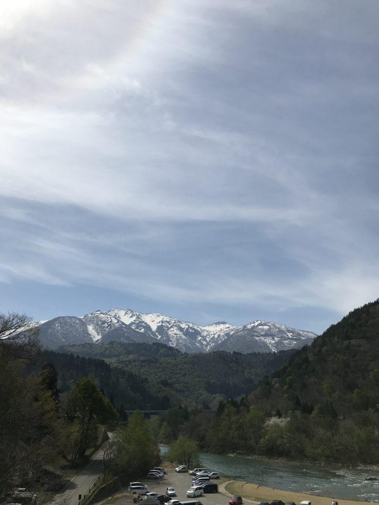白川郷から望む白山